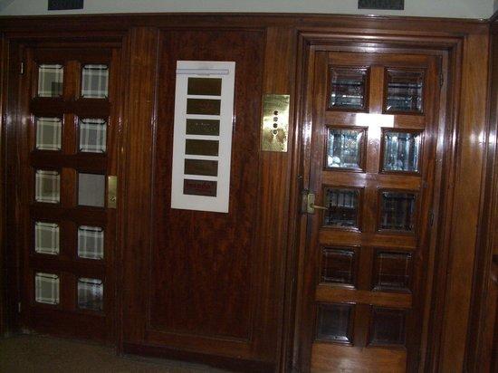 Somnio Barcelona: лифт