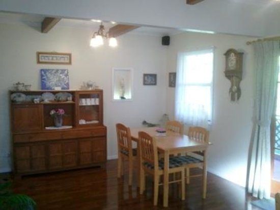 Johnstone's on Oxley: Dining Room