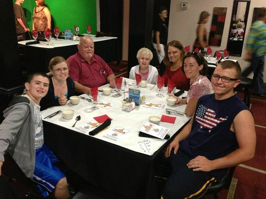 Great Smoky Mountain Murder Mystery Dinner Show : Family