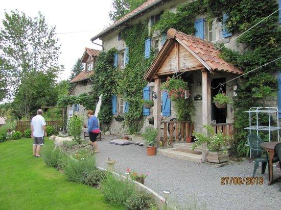 La Maison Puy L'Abbe: An early amble in the garden