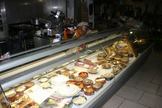 La Taverne a Bacchus: Small selection of cold meats etc