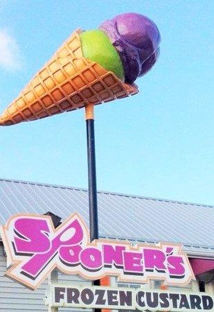 Spooner's Frozen Custard: Look for the cone!