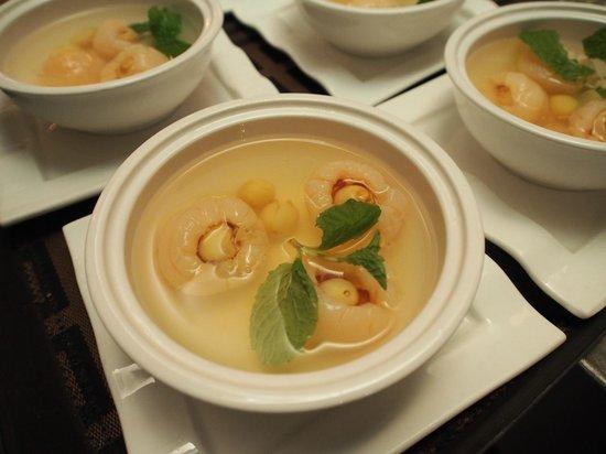 Royale Vietnam: Lotus Seed in Lynchee