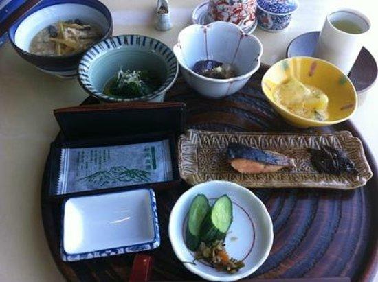 Myoko Hotel: 朝食、素朴ながら美味しい。