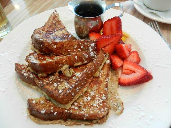Margaritaville Beach Hotel: Breakfast.