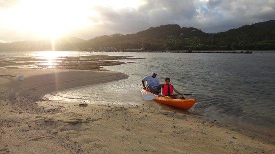 Savasi Island Villas: Kayaking @ Koro