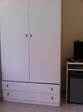 Residence Hotel Villa Mare : pessimo mobilio