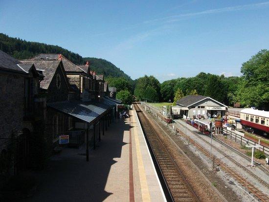 Llety Betws: Betws-y-coed railway station