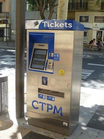 Novotel Suites Perpignan Mediterranée: Bus ticket machine 1 block away