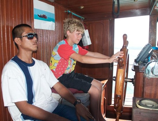 Siam Pearl Cruises: Rather young alternate captain