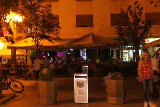 VIP Cafe Bistro Pizzeria: 1
