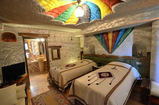 Cappadocia Cave Suites: Room 302