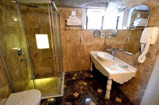 Cappadocia Cave Suites: Room 102