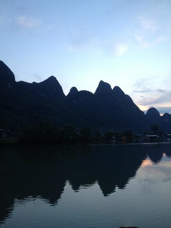 CTN Karst Inns : river view