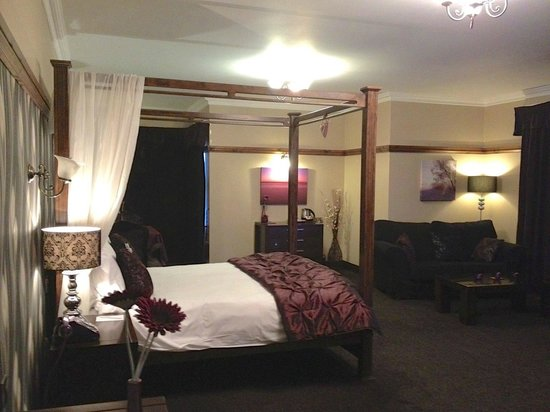 Silver Tassie Hotel & Spa: Room