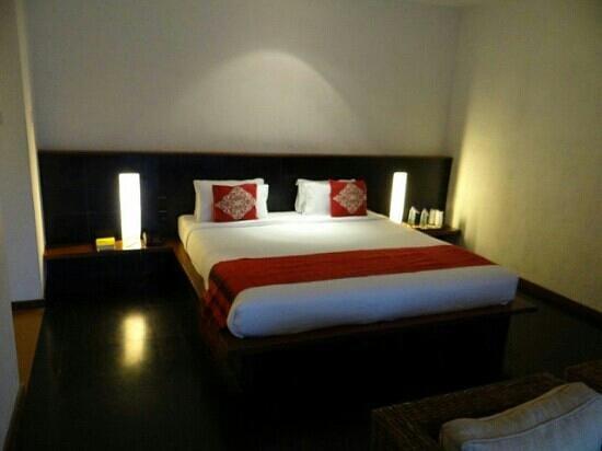 Rainforest Resort Athirapally Falls: room