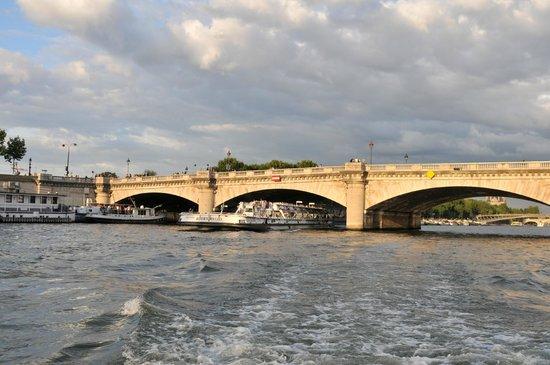 Green River Cruises: Pont Alexandre III