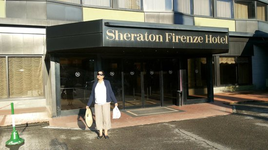 Conference Florentia Hotel: The entrance