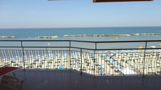 Hotel Cola: panorama dalla camera fronte-mare...