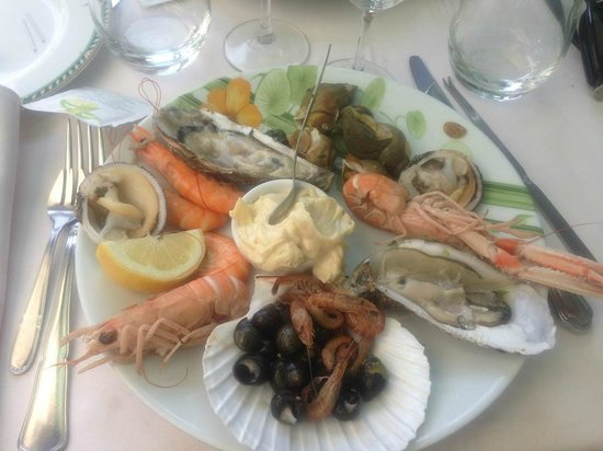 Restaurant du Port : Menu à 28:Assiette de fruits de mer