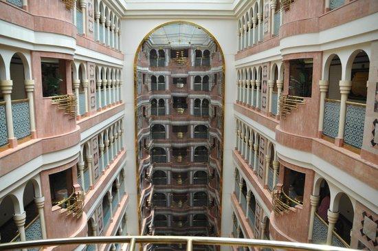 Madinah Hilton : hotel inside