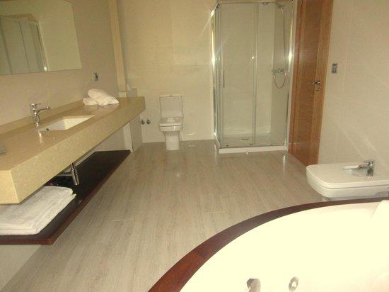 Posada Laura: baño suite
