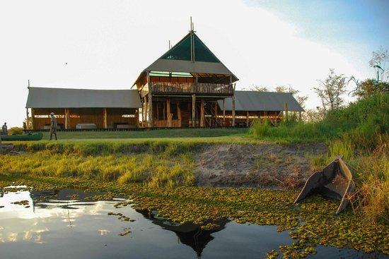 Chobe River Camp: Camp Chobe main reception/dining area