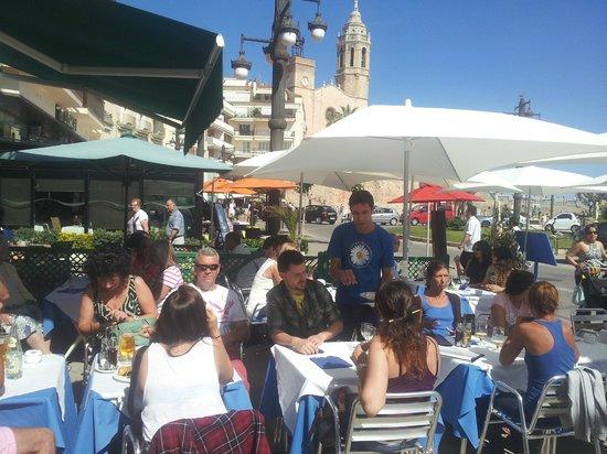 Margarita Beachfront - Terrace Bar & Restaurant: Front terrace sideways view