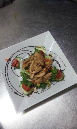 Margarita Beachfront - Terrace Bar & Restaurant: Chicken Salad