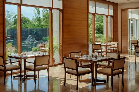 Park Hyatt Chennai: The Dining Room
