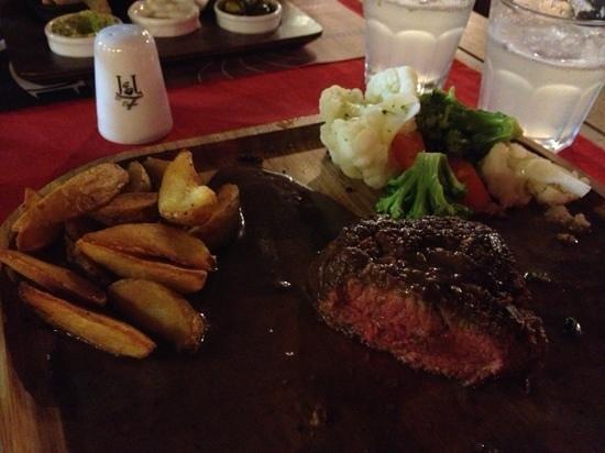 Jimmy Joker Steakhouse: steak rosanna