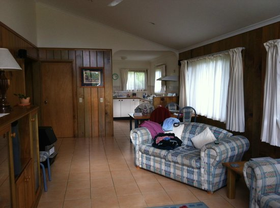 """Tau Gardens: """"Ike's"""" cottage - lounge/dining with kitchen in background - nice and spacious"""