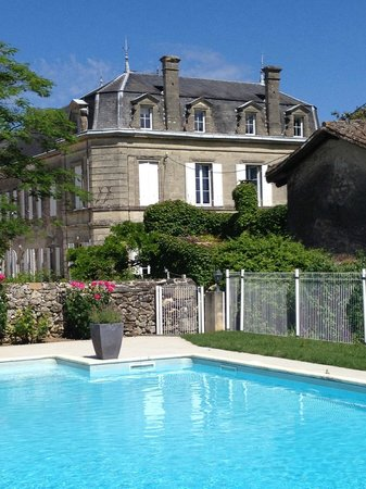 Chateau Carbonneau: View from the pool