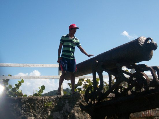Travel Around Jamaica - Day Tours: Fort Charlotte, Lucea