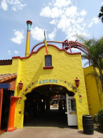 Knott's Berry Farm: Fiesta Village