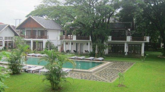 Riverside Boutique Resort: View of Pool