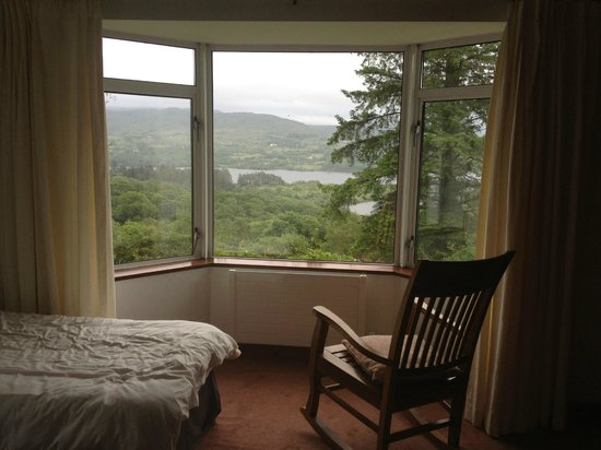 Rhu-Gorse: Bedroom and view