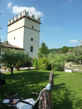 Azienda Agricola Corteforte: Der Turm mit den Zimmern