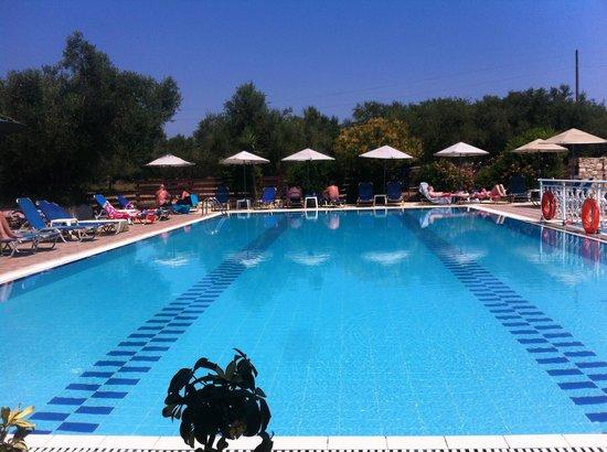 Rainbow Apartments (Kalamaki, Greece) - Hotel Reviews ...
