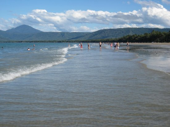 Port Douglas Apartments : Beautiful 4 Mile Beach