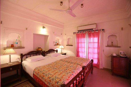 Bhainsrorgarh Fort Hotel : Suite