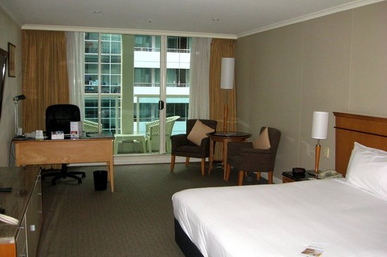 Radisson Hotel And Suites Sydney: Room - View 1