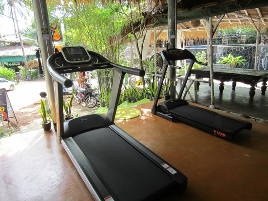 BB Gym: 2 treadmills