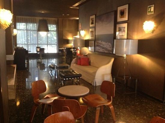 Hotel Medium Valencia Photo