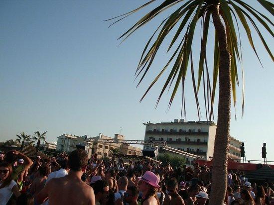 aperitivo - Picture of Papeete Beach, Milano Marittima - TripAdvisor