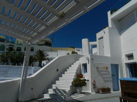 Nonis Apartments : Terrasse