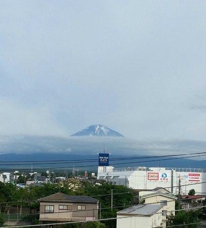 Select Inn Fujisan Gotemba: ホテルからの富士山