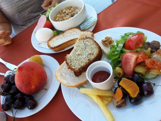 Cappadocia Cave Suites: Breakfast