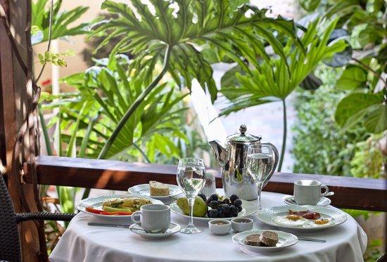 Civitel Akali Hotel: Akali Hotel Breakfast In Veranda Area