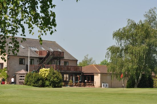 Lakeside Lodge Golf Centre: Club House